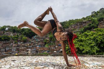 109 femme funk carioca Brésil 2 © Vincent Rosenblatt pour Causette