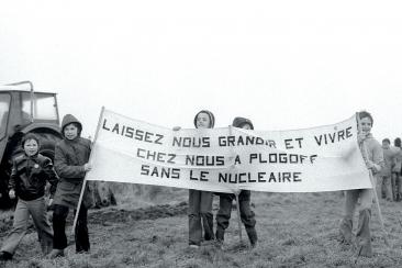 mobilisation contre le projet de centrale nucleaire plogoff