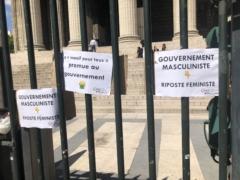Manif-féministe-Darmanin-DupondMoretti