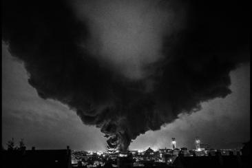 1200px-Daniel_BRIOT_Incendie_usine_Lubrizol_Rouen_2019-2020–2021_Paysages-009–20190926