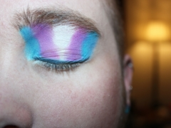 person's blue eyeshadow