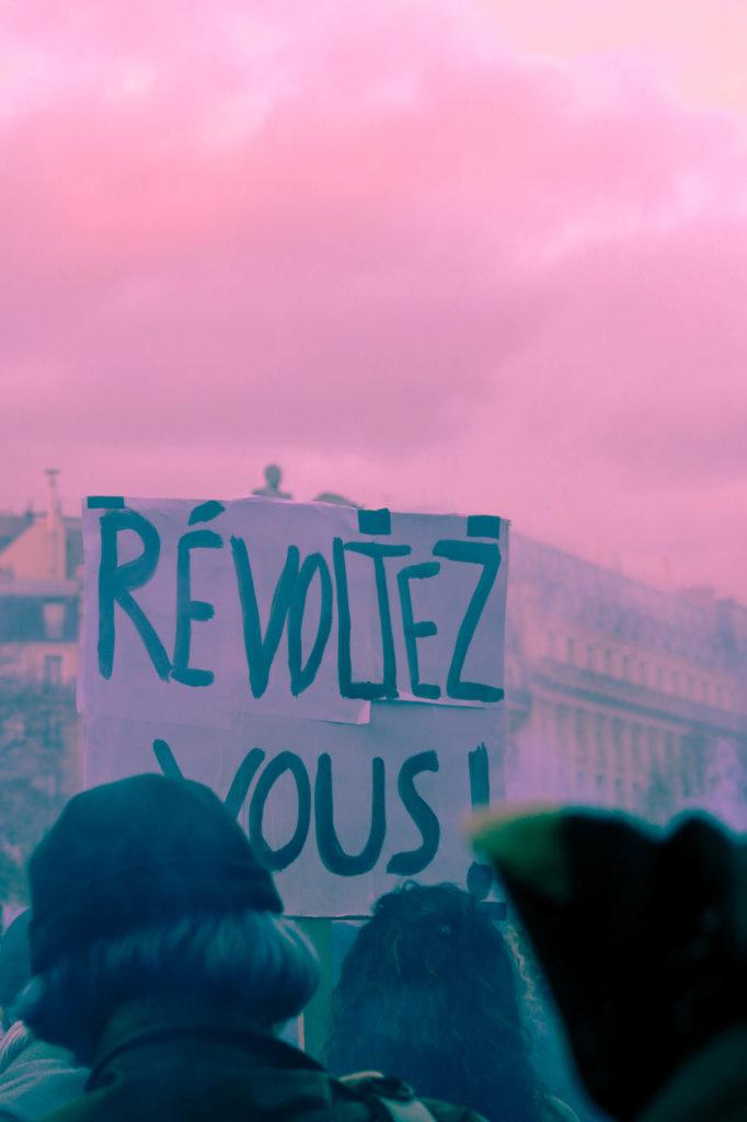pancarte révoltez vous fille