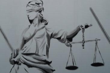 justice 9017 960 720