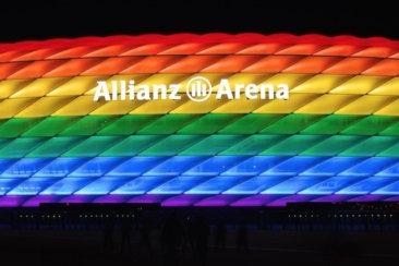 allianz arena beleuchtung zum christopher street day 2016